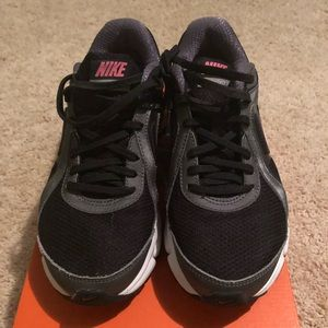 Nike Air Dictate 2 Women's Size 7.5